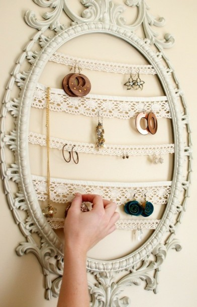 Jewelry+Display+Repurposed+Painted+Frame
